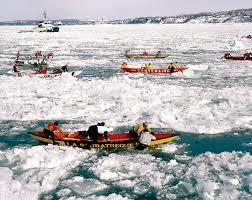 Course de canots à glace entre Québec et Lévis   Photo: bonjourquébec.com