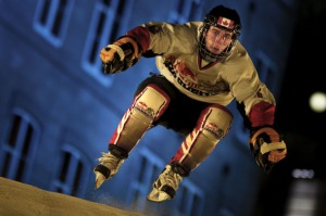 Patineur au cours des qualifications, Red Bull crashed Ice de Québec